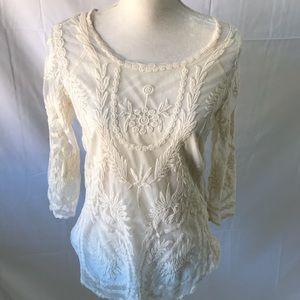 Adiva bohemian lace top in cream